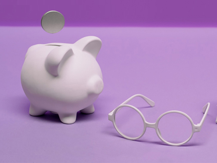 Image of a piggy bank and glasses